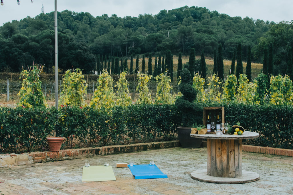 yoga al aire libre - Celler Can Roda