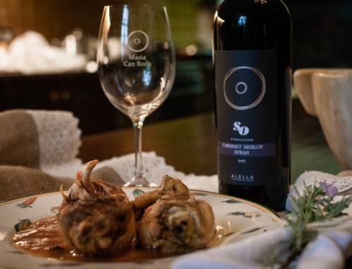 Recepta del mes: Pollastre rostit amb prunes y pinyons per maridar amb el nostre vi negre criança